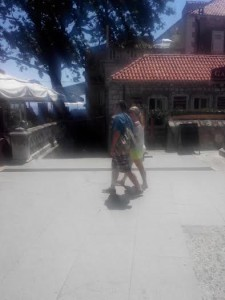 pile glavni ulaz u stari dio grada i ulica za svetište